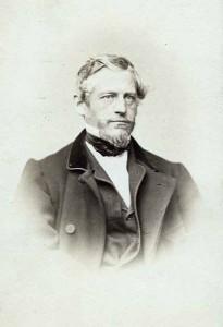 Mayburger Josef, Maler. * Straßwalchen (Salzburg), 30. 3. 1814; † Salzburg, 2. 11. 1908. Sohn eines Lehrers; wurde Lehrer und später Prof. an der Oberrealschule in Salzburg.