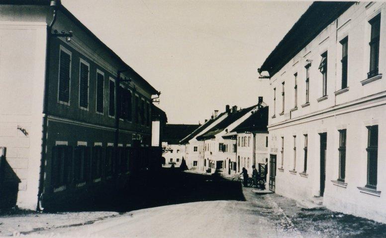 Wagnerbrauerei befindet sich auf der linken Seite des Bildes.